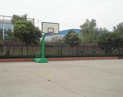 厂区篮球场